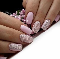 Nail art is a very popular trend these days and every woman you meet seems to have beautiful nails. It used to be that women would just go get a manicure or pedicure to get their nails trimmed and shaped with just a few coats of plain nail polish. Pink Nail Designs, Nail Designs Spring, Spring Nail Art, Spring Nails, Perfect Nails, Gorgeous Nails, Nails Studio, Matte Nail Art, Manicure E Pedicure