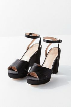 Explore Urban Outfitters collection of women's shoes, featuring the season's latest styles. We carry everything from heels to platform sandals to rain boots. Sneaker Boots, Peep Toe Heels, Dress Shoes, Women's Shoes, Block Heels, Ankle Strap, Uggs, Urban Outfitters, Loafers