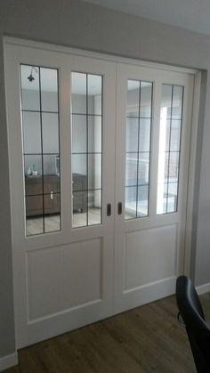 Mooie deuren met glas in lood #onthoutons English Cottage Style, Room Divider Doors, House Entrance, Pocket Doors, Internal Doors, Living Room Grey, Home Reno, Rustic Interiors, Sliding Doors