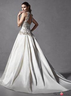 Halter Form-fitting Bodice Romantic Ballgown Satin Skirt Pockets Wedding Dress