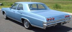 learned to drive an Impala like this except it had a white top and blue bottom Retro Cars, Vintage Cars, Chevrolet Impala 1965, 1965 Buick Riviera, Learning To Drive, Us Cars, American Muscle Cars, Dream Cars, Cool Cars