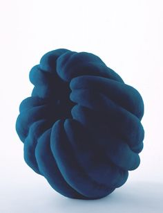 Katsumata Chieko, Biomorphic sculpture in the shape of akoda pumpkin with blue glaze, ca. 2012 16 x 10 x 13 inches Japanese Ceramics, Japanese Pottery, Modern Ceramics, Contemporary Ceramics, Ceramic Clay, Ceramic Pottery, Abstract Sculpture, Sculpture Art, Sculptures Céramiques