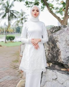 Image may contain: one or more people, people standing and outdoor Muslimah Wedding Dress, Gold Bridesmaid Dresses, Muslim Brides, Wedding Hijab, Pakistani Wedding Dresses, Blue Wedding Dresses, Dress Muslimah, Hijab Bride, Malay Wedding Dress
