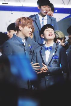 Aww Daniel with his dongsaeng Woojin. They are honestly best friend goals