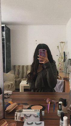 Lovely Girl Image, Cute Girl Photo, Tumblr Photography, Girl Photography Poses, Cool Girl Pictures, Girl Photos, Pinke Outfits, Foto Mirror, Flipagram