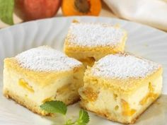 Broskvový koláč se zakysanou smetanou