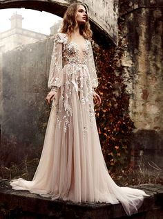 she-loves-fashion:  Paolo Sebastian 2015   What Padme Amidala might wear when relaxing in the Lake Country.