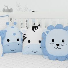 Super Cute Kids Pillow Ideas For Nursery Room Decorating - Babyzimmer Ideen Baby Bedroom, Nursery Room, Nursery Decor, Room Decor, Baby Pillows, Kids Pillows, Quilt Baby, Diy Bebe, Fabric Toys