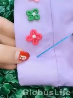 Diy Embroidery Flowers, Basic Embroidery Stitches, Hand Embroidery Videos, Bead Embroidery Patterns, Embroidery Stitches Tutorial, Embroidery Flowers Pattern, Embroidery On Clothes, Creative Embroidery, Simple Embroidery