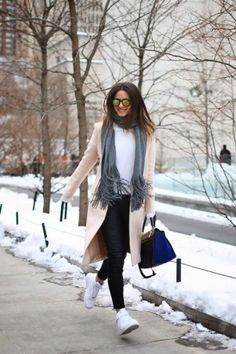 trench coat sporty casual, Sporty casual street style looks http://www.justtrendygirls.com/sporty-casual-street-style-looks/