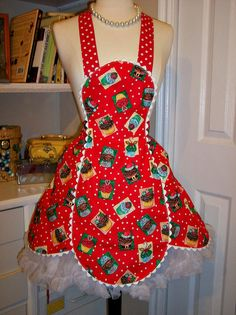 Retro 1940's Petals apron in Christmas Cupcakes by  Mimi's Needle and Thread