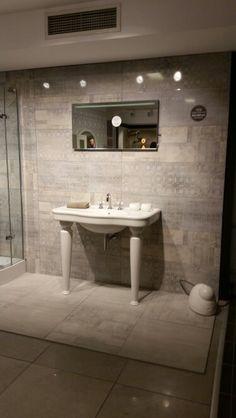 Vitra elegance console washbasin