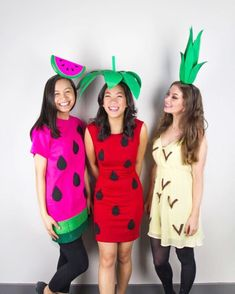 Diy Halloween Costumes For Girls, Costumes For Teens, Halloween Diy, Fruit Halloween Costumes, College Costumes, Halloween Couples, Family Halloween, Halloween Makeup, Funny Costumes
