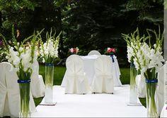 Gladiolas wedding decorations in church/ Slubne dekoracja kosciola mieczykiem