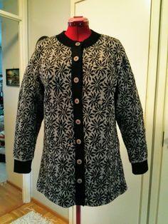 Knitwear, 21st, Sweaters, Fashion, Knitting Machine, Moda, Tricot, Fashion Styles, Sweater