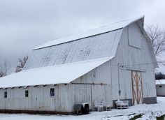 Milestone barn in Michigan. This is exactly where I will have my reception some day! <3