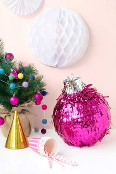 What a great party idea! DIY Festive Bauble Piñata on Curbly Childrens Christmas, Modern Christmas, Pink Christmas, Christmas Baubles, Merry Christmas, Christmas Holidays, Christmas Decorations, Xmas, Christmas Parties