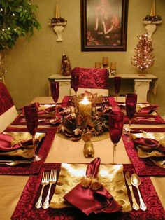 Nothing says elegance like gold tones. HGTV fan Knaugher paired gold and burgundy for an exquisite table display.