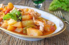 Straccetti di pollo peperoni e patate, secondo facile e veloce in padella, ricetta saporita, idea per la cena, pranzo in poco tempo, piatto leggero con carne bianca