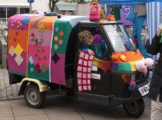 Tuktuk med yarnfiti - kollektivt projekt