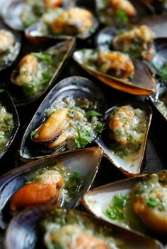 Mussels with Garlic Butter Herbs