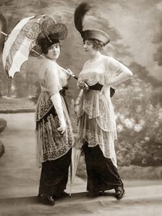 Women's Fashion in 1913 Photographic Print