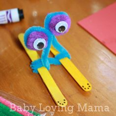 I was at the dollar store yesterday and found a great stock of simple craft supplies (Walmart has some of these things for less than a dollar). I took everything out and started playing around them. What to make with pipe cleaners, pom poms, craft sticks and googly eyes? I glued the eyes to the …