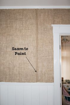 Ever thought about hanging burlap on your walls? Check out this post on how to turn burlap into unique and beautiful wallpaper! wallpaper How to Hang Burlap on Walls - A Butterfly House Fabric Covered Walls, Fabric Walls, Burlap Wallpaper, Cushion Covers Uk, Burlap Wall Decor, Burlap Mason Jars, Upholstered Walls, Painting Burlap, Cork Wall