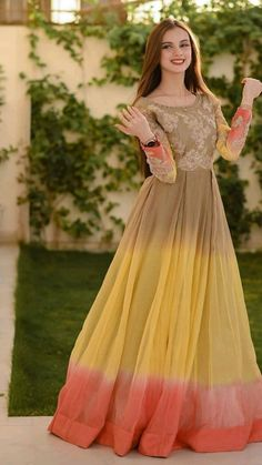 Party Wear Indian Dresses, Indian Gowns Dresses, Indian Bridal Outfits, Indian Fashion Dresses, Beautiful Pakistani Dresses, Pakistani Dresses Casual, Pakistani Dress Design, Wedding Lehenga Designs, Kurti Designs Party Wear