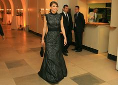 Queen Rania arriving at Banqueting hall in London on May 31, 2006.