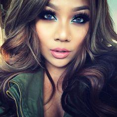 pala_foxxia I've got the blues  who wants makeup deets?!?