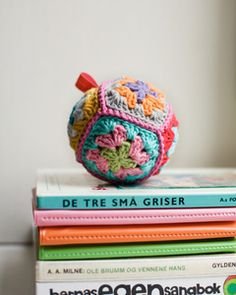 Lovely crochet rattle - this is absolutely adorable!!!