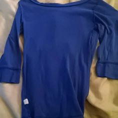 3/4 sleeve boat neck shirt Blue 100% cotton with 3/4 sleeves shirt. Old Navy Tops Tees - Long Sleeve