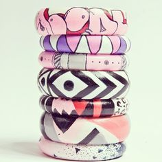 Graffiti style wooden bracelets - diy!
