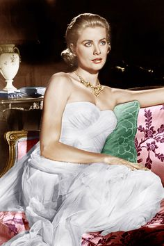 Grace Kelly in a costume by Edith Head.