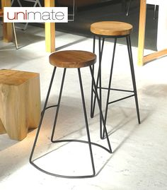 Nuevos #banquetas con asiento en madera maciza y base de hierro, en dos modelos diferentes. Mirá más #muebles modernos en www.unimate.com.ar #Unimate
