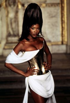 Naomi Campbell,givenchy by alexander mcqueen spring 1997 haute couture - super pretty
