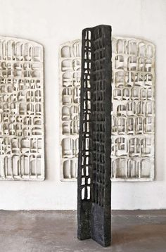 Gerd Kanz, Höhe ca. Modern Art Sculpture, Wood Sculpture, Land Art, Contemporary Ceramics, Contemporary Art, Sculpture Romaine, Sculptures Céramiques, Art Object, Installation Art