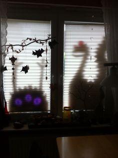 Schattenmonster am Fenster