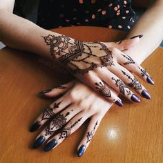 Easy but Difficult Hand Henna Designs to Try