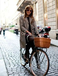 Bicycling - Parisian-style