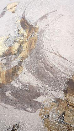 Gold and Neutral Texture Screen Wallpaper, Wallpaper Backgrounds, Iphone Wallpaper, Samsung Wallpapers, Cute Wallpapers, Art Texture, Pattern Wallpaper, Textures Patterns, Aesthetic Wallpapers