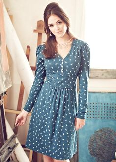 Stunning, chic and flattering Essie Button dress by People Tree in fairtrade and organic cotton. With a cute umbrella print! Norwegian Style, Cute Umbrellas, Fair Trade Fashion, Dressed To The Nines, Daytime Dresses, Button Dress, Essie, Organic Cotton, My Style