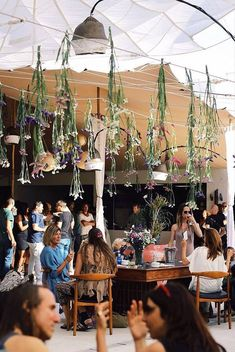 La Muella is an open-air restaurant in the countryside in the north of Ibiza. A true gastronomic experience makes it worth the ride, and the the restaurant also boasts a kids area, a yoga studio and a small club. Ibiza Restaurant, Open Air Restaurant, Countryside Restaurant, Ibiza Travel, Spain Travel, Eivissa Ibiza, Ibiza Formentera, Ibiza Holidays, Ibiza Party