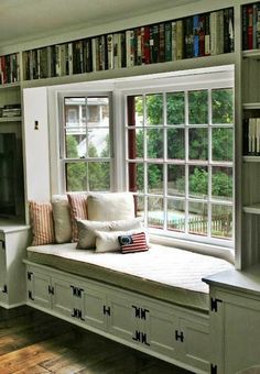 Turn a bay window into a book lover's haven with a window seat reading nook. Surrounding the view with built-in bookshelves doesn't hurt, either! für lesezimmer 20 Window Seat Book Nooks You Need to See Home Design, Interior Design, Design Ideas, Design Design, Home Libraries, Cozy Nook, Small Bedrooms, Master Bedrooms, Home Fashion