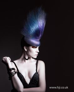 vanguardista azul y purpura