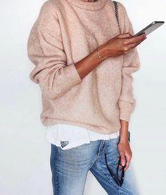 En ljusrosa stickad tröja vill jag ha!