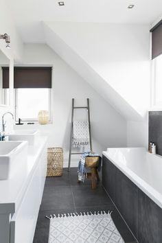 39 dark grey bathroom floor tiles ideas and pictures Grey Bathroom Floor, Dark Gray Bathroom, Attic Bathroom, Laundry In Bathroom, Bathroom Renos, Grey Bathrooms, Bathroom Flooring, Beautiful Bathrooms, Bathroom Interior