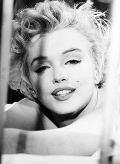 Marilyn Monroe by Milton Greene  September 1954