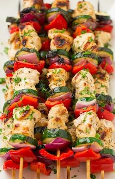 Greek+Chicken+Kebabs+with+Tzatziki+Sauce
